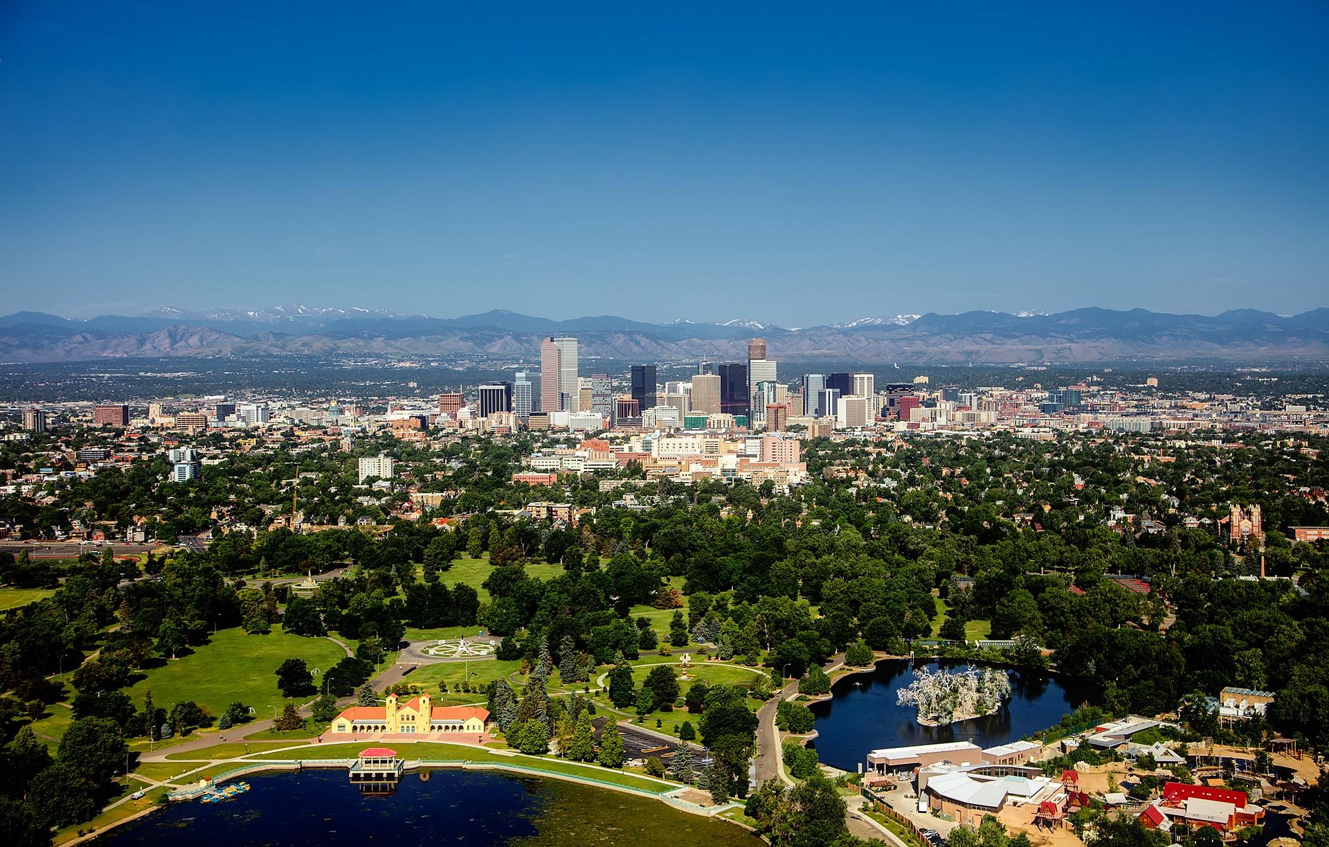 Denver, Colorado city skyline